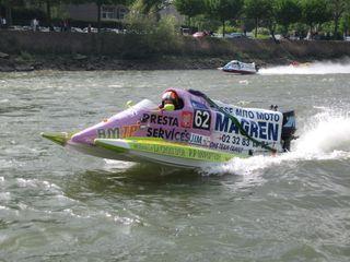 24 h motonautiques 2 mai 2009 022