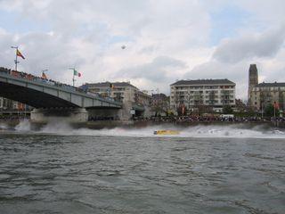 24 h motonautiques 2 mai 2009 002